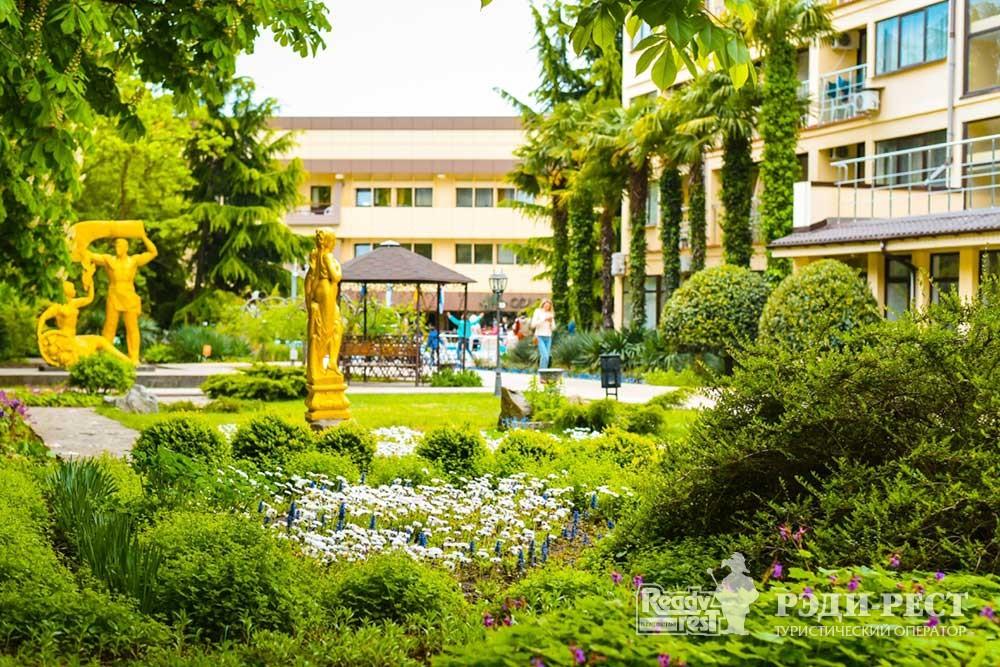 Курортный комплекс Голден Резорт 3*. Большая Алушта