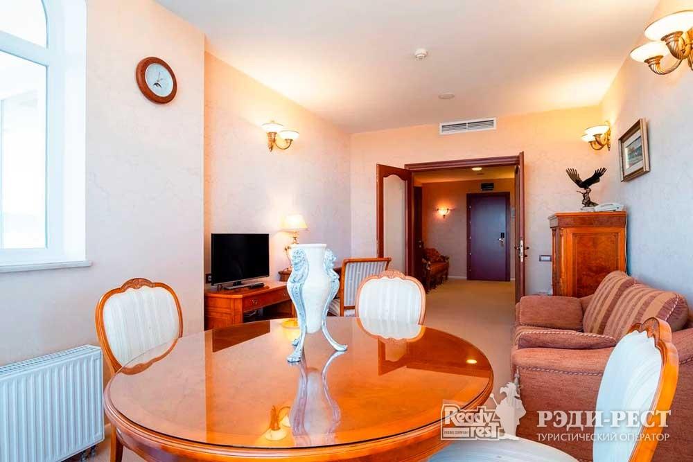 Курортный комплекс Алые Паруса 4* Сьют «Валенсия»