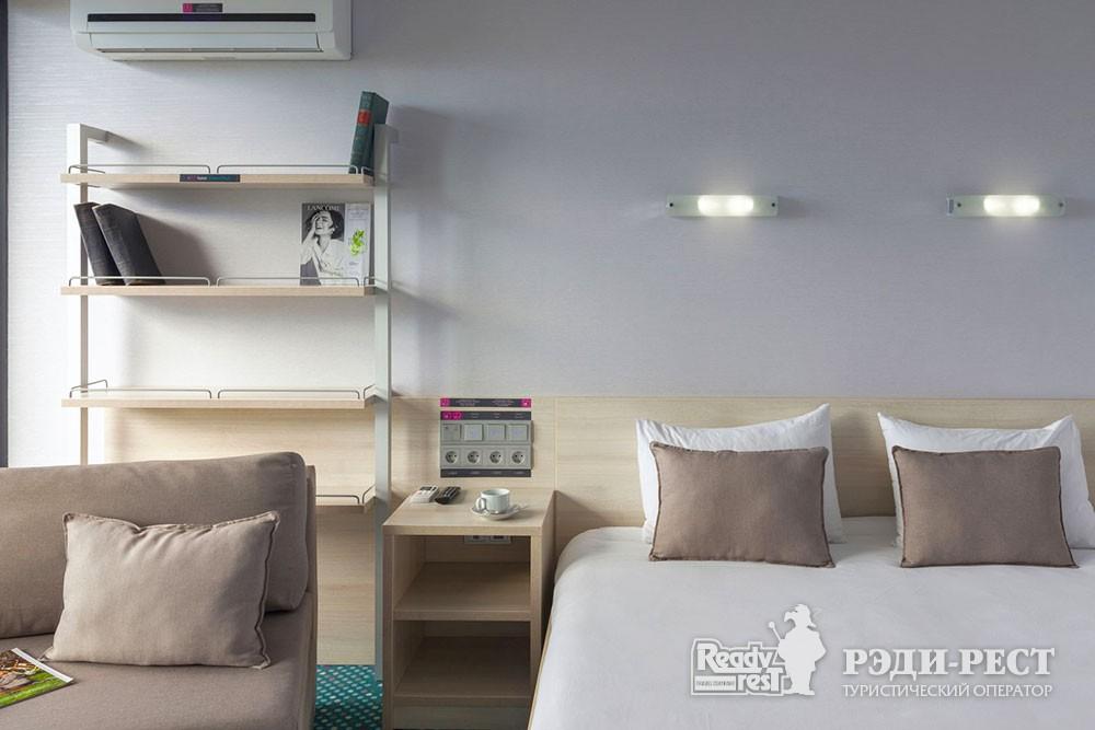 Отель Грин Парк Стандарт улучшенный  с 1 кроватью