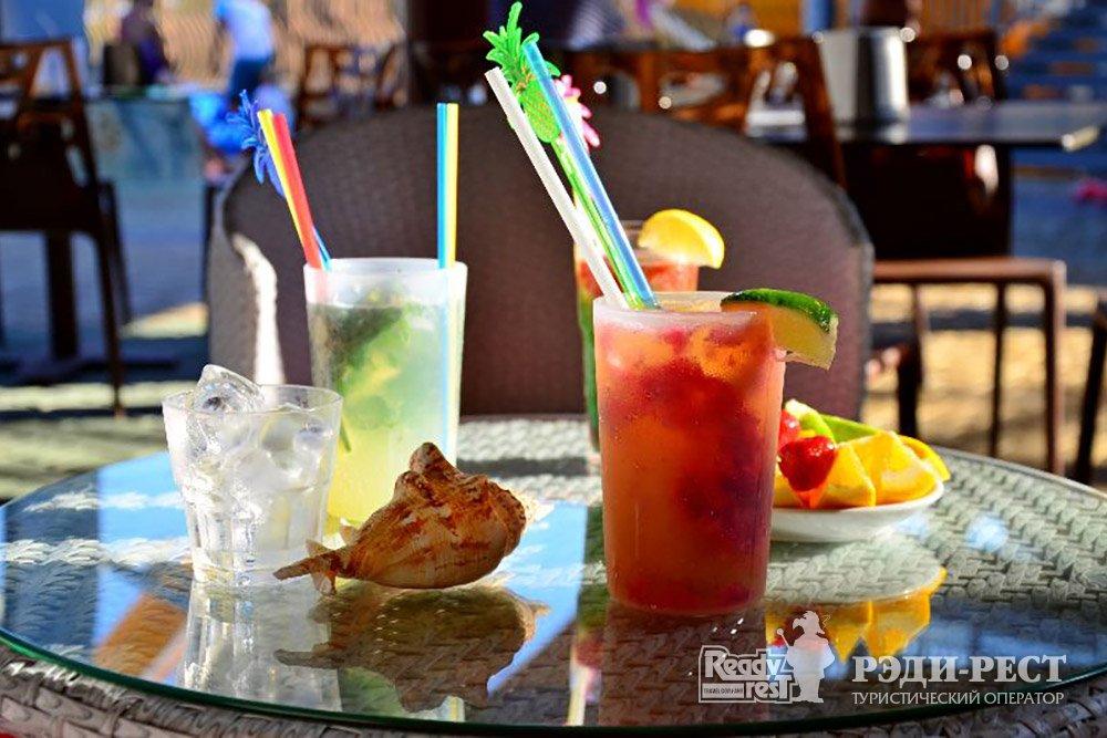 Аквапарк-отель Атлантида. Большая Ялта Терраса кафе