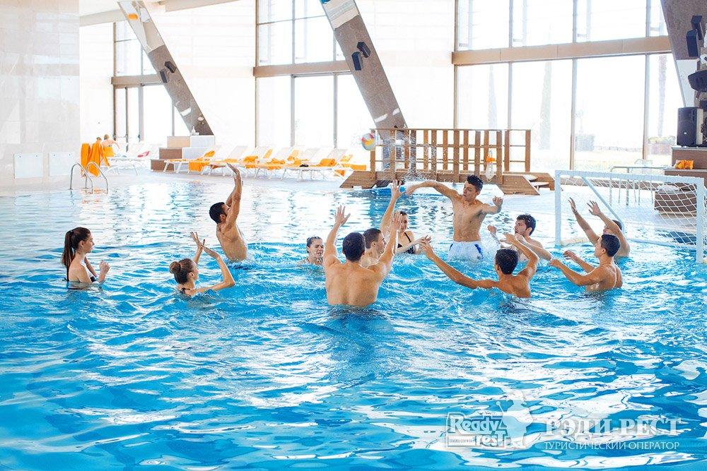 Cанаторно-курортный комплекс Мрия Резорт & СПА 5*. Большая Ялта Крытый бассейн