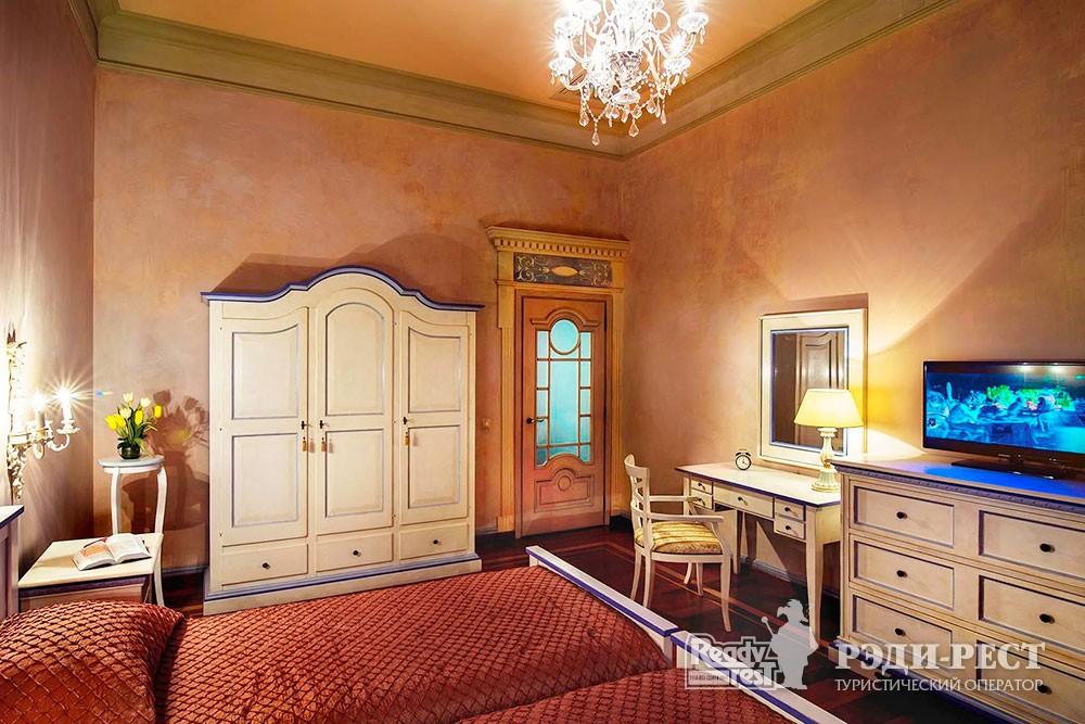 Отель и резиденции Вилла Елена 5* Резиденция