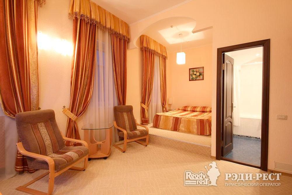 Отель Даккар 3*. Полулюкс