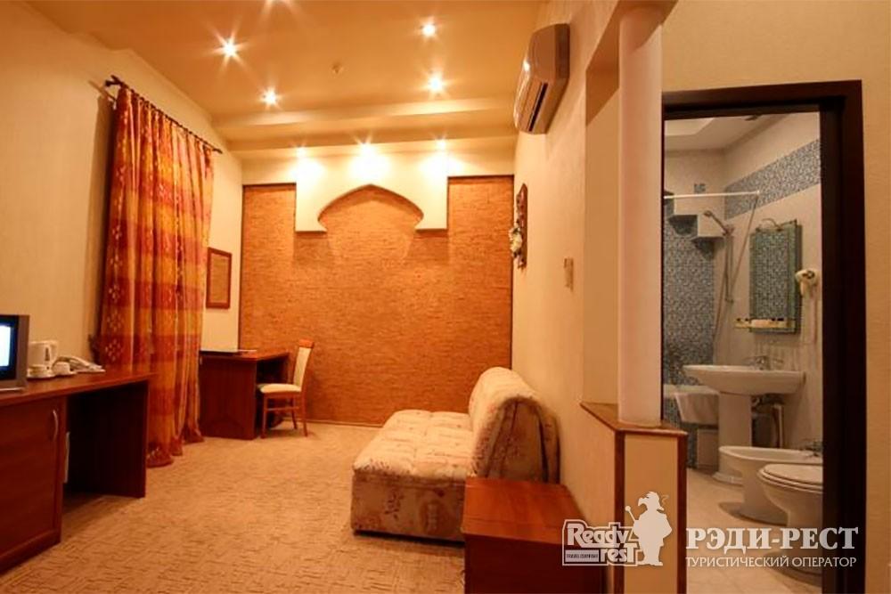 Отель Даккар 3*. Улучшенный полулюкс с балконом