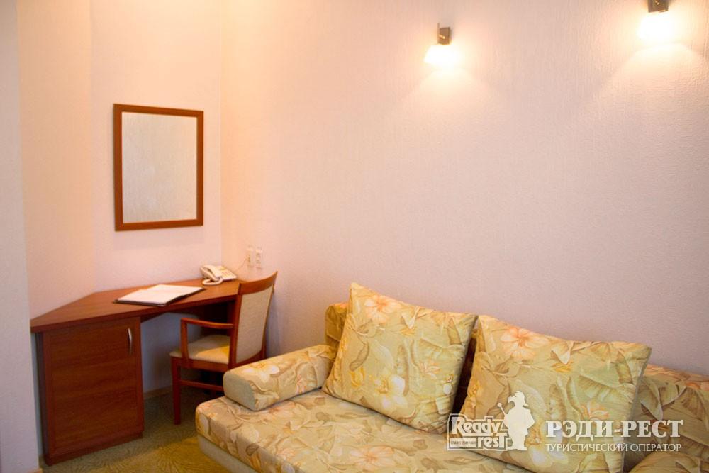 Отель Даккар 3* Улучшенный полулюкс с диваном