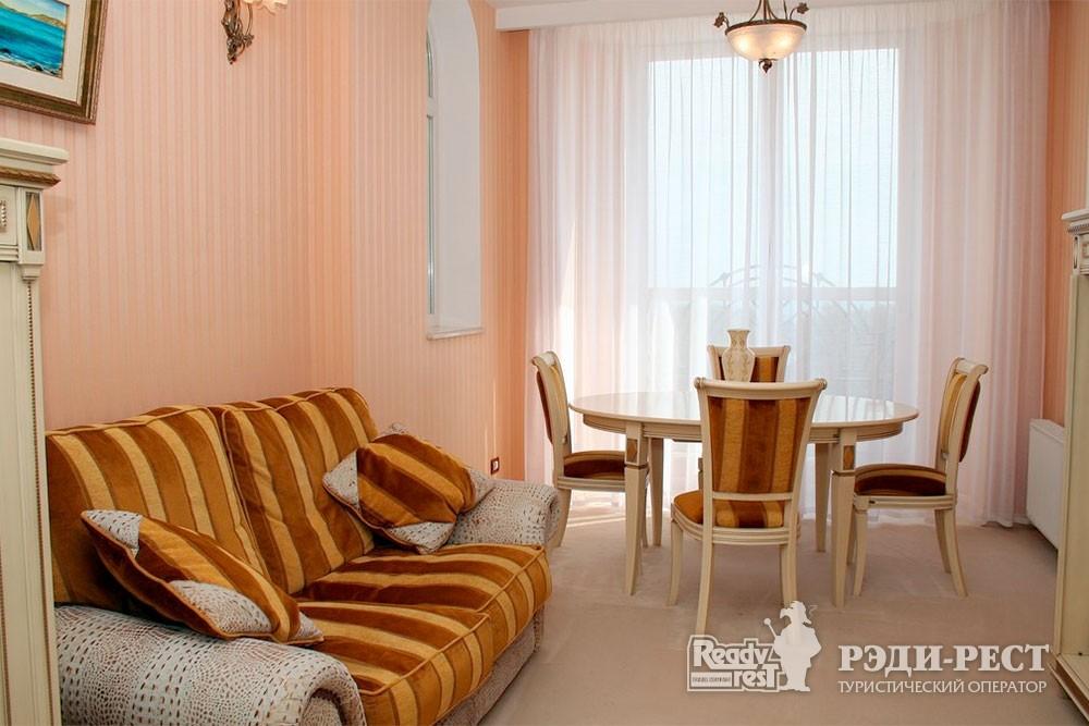 Отель Алые Паруса 4*. Сюит «Помпея»